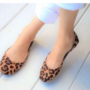 Shoes - 🔥 LAST PAIR SIZE 6 🔥 Leopard Flats